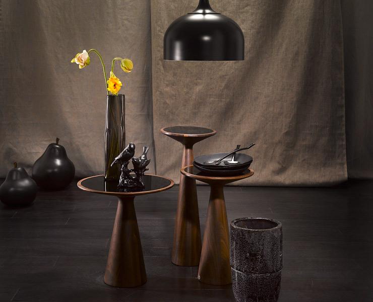 schwarze accessoires zu nussbaumholz accessoire trends sch ner wohnen. Black Bedroom Furniture Sets. Home Design Ideas