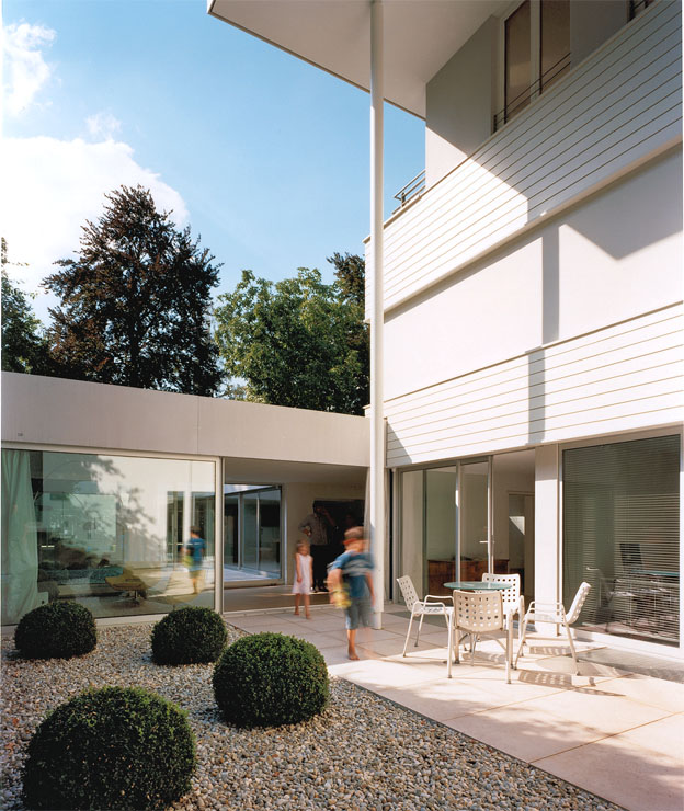 23 2 house by omer arbel. Black Bedroom Furniture Sets. Home Design Ideas