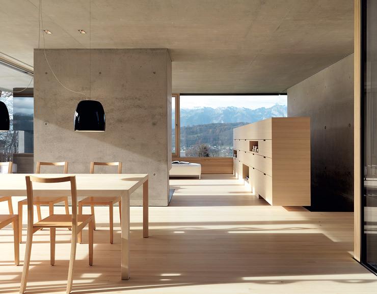 Betonhaus am hang hangh user sch ner wohnen for Bauernstube modern einrichten