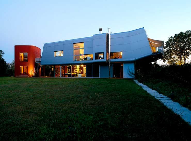 futuristische flachdachvilla sch ner wohnen. Black Bedroom Furniture Sets. Home Design Ideas