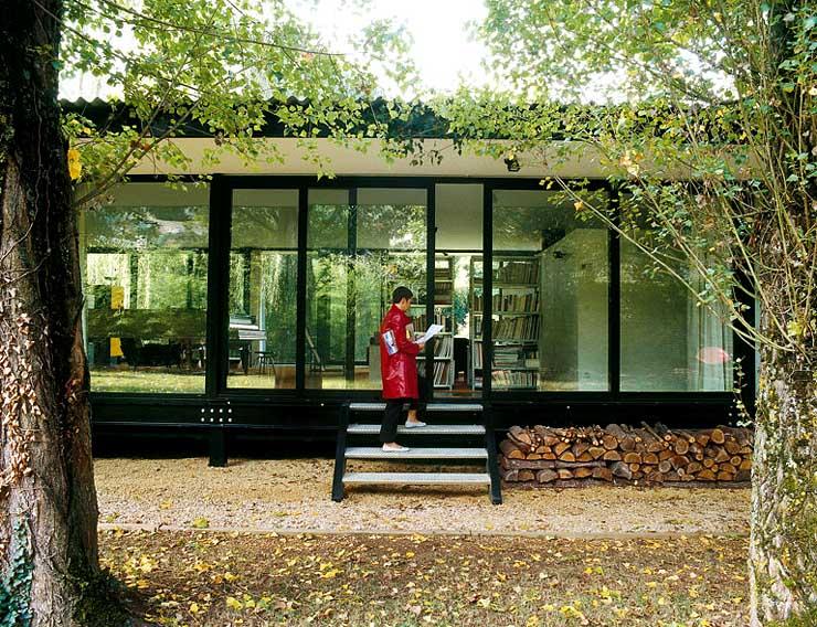 rundumverglastes flachdachhaus bungalows sch ner wohnen. Black Bedroom Furniture Sets. Home Design Ideas
