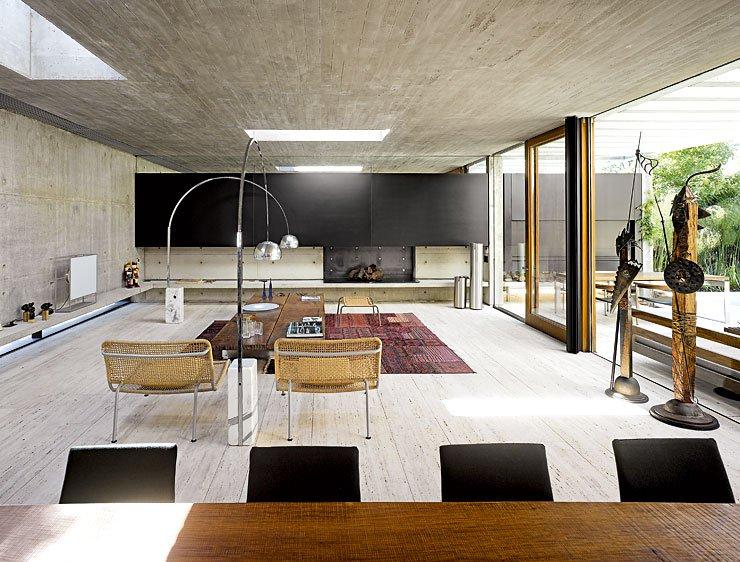 zum garten ge ffnetes betonhaus villen sch ner wohnen. Black Bedroom Furniture Sets. Home Design Ideas