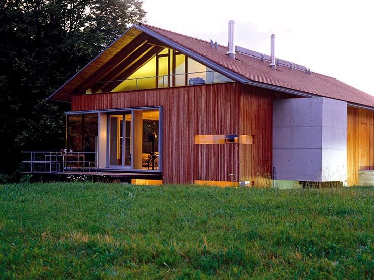 modernes landhaus mit holzfassade schoener wohnen