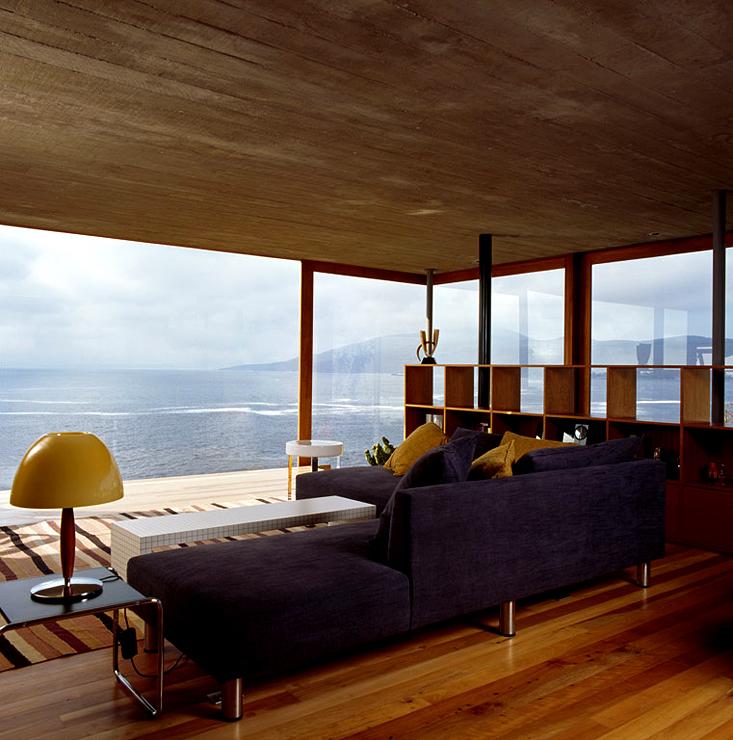 flachdachhaus aus mehreren bauk rpern ferienh user sch ner wohnen. Black Bedroom Furniture Sets. Home Design Ideas