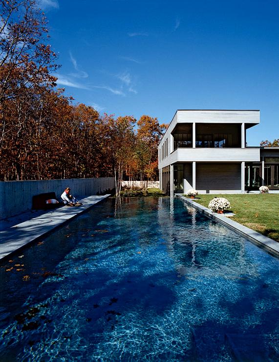 Moderne Flachdachvilla auf Long Island  Hofhäuser