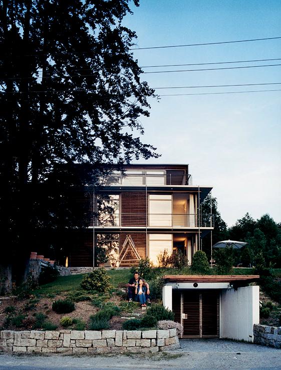 hanghaus mit drei maisonettes sch ner wohnen. Black Bedroom Furniture Sets. Home Design Ideas