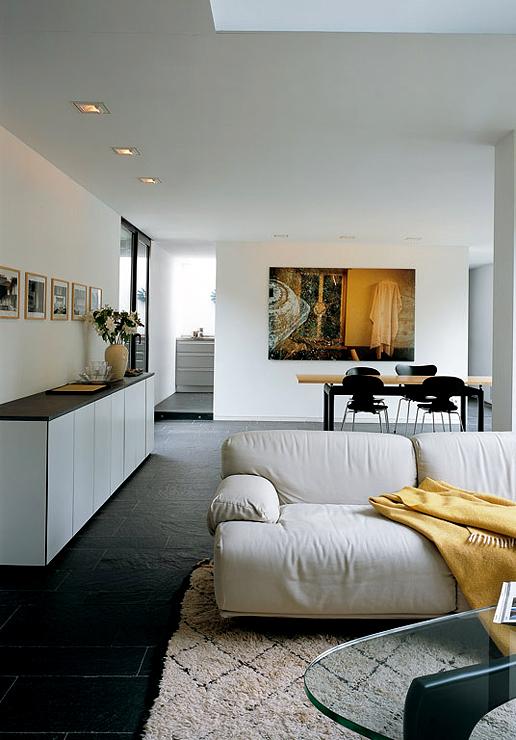 flachdachhaus mit raumhohen fenstern bungalows sch ner wohnen. Black Bedroom Furniture Sets. Home Design Ideas