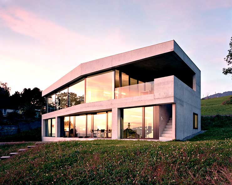 hanghaus aus glas und beton sch ner wohnen. Black Bedroom Furniture Sets. Home Design Ideas