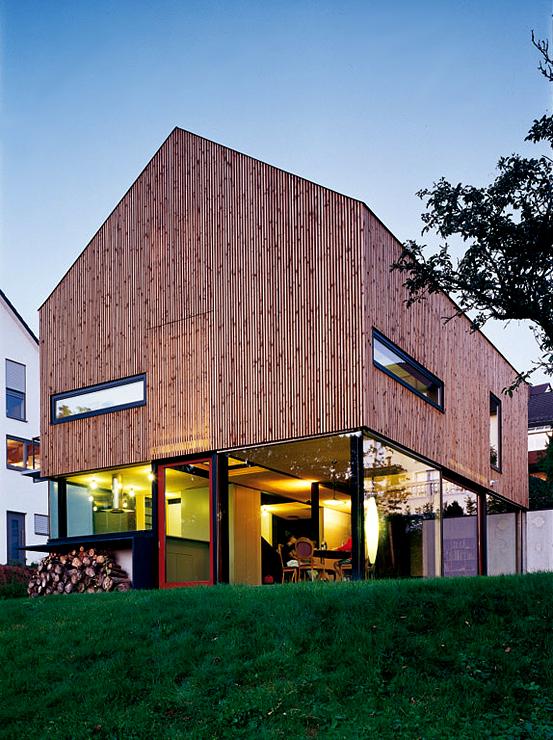 einfamilienhaus aus holz energiesparh user sch ner wohnen. Black Bedroom Furniture Sets. Home Design Ideas