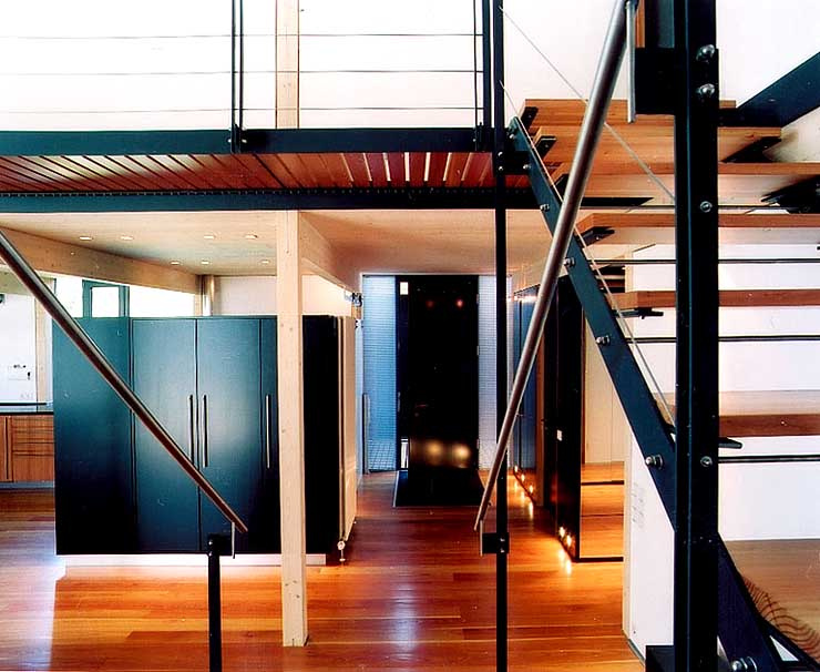 landhaus auf stelzen hangh user sch ner wohnen. Black Bedroom Furniture Sets. Home Design Ideas