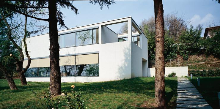 einfamilienhaus mit geometrischen formen sch ner wohnen. Black Bedroom Furniture Sets. Home Design Ideas