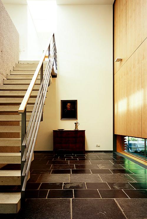 l rchen holzhaus mit gl serner fassade landh user sch ner wohnen. Black Bedroom Furniture Sets. Home Design Ideas