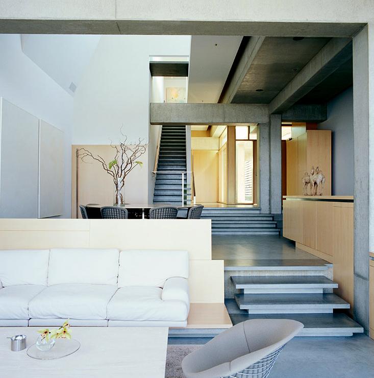 flachdachhaus auf schmalem grundst ck h user auf kleinem grund sch ner wohnen. Black Bedroom Furniture Sets. Home Design Ideas