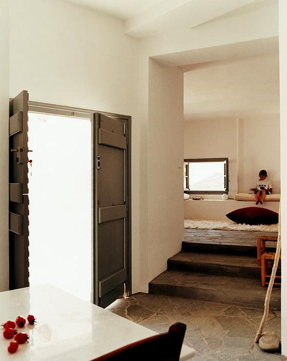 haus aus sechs kalkwei en kuben ferienh user sch ner. Black Bedroom Furniture Sets. Home Design Ideas