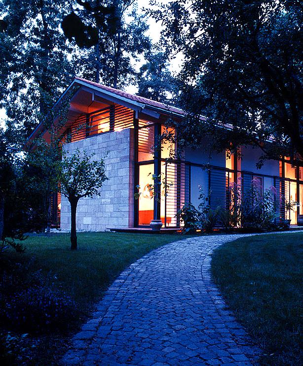 niedrig energiehaus mit strahlungsw rme sch ner wohnen. Black Bedroom Furniture Sets. Home Design Ideas