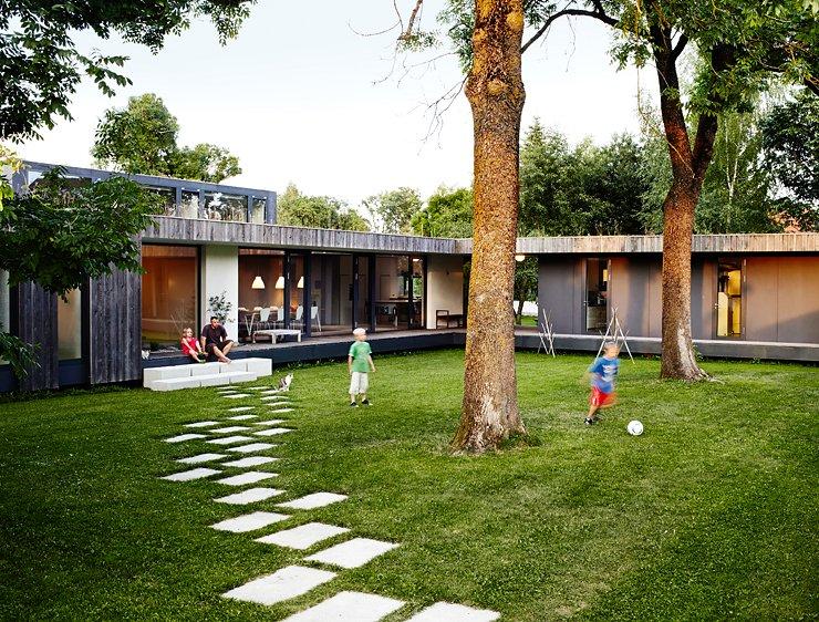 architektenh user familien bungalow mit innenhof. Black Bedroom Furniture Sets. Home Design Ideas