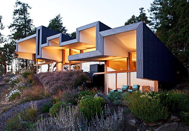 architektenh user glasbau mit gefaltetem dach sch ner wohnen. Black Bedroom Furniture Sets. Home Design Ideas