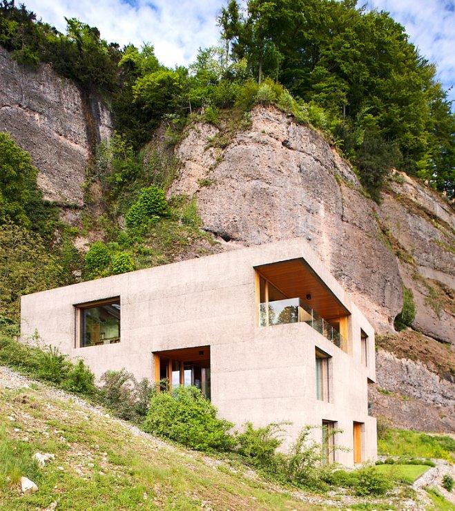 0088 Ferienhaus Haus Am See Lhvh Architekten: Architektenhäuser: Kubisches Betonhaus Mit Holzkern