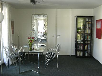 dunkles und k hles ambiente wohn und esszimmer sch ner wohnen. Black Bedroom Furniture Sets. Home Design Ideas